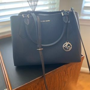 New Michael Kors Handbag